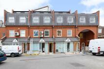 Flat for sale in Surbiton, Surrey