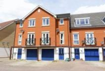 property to rent in Glandford Way...