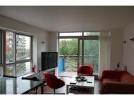 3 bed Flat to rent in West Parkside, London...