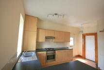 3 bedroom Flat in Delacourt Road...