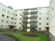 3 bed Flat in 23 Castlebay Court...