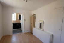 Studio apartment to rent in Cooper Road, London, NW10