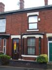 2 bedroom Terraced house to rent in Lodge Lane, Hyde, SK14