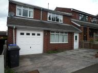4 bed semi detached house to rent in Buckingham Road...
