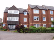 Flat to rent in Carrington Way...