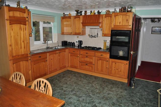 LIVED IN KITCHEN