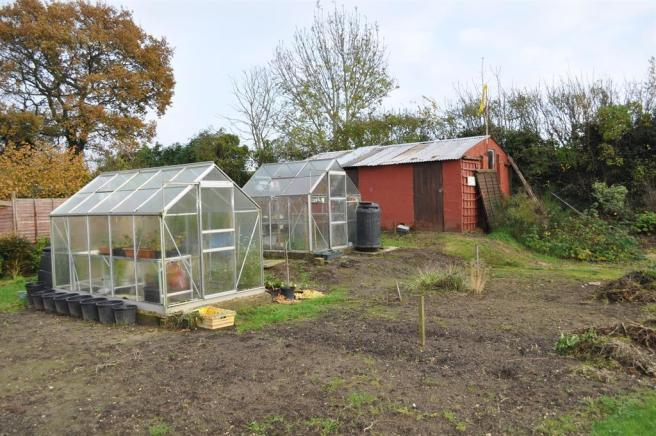 OUTBUILDING & GREENHOUSES