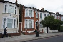 Flat to rent in Tooting Bec Road...