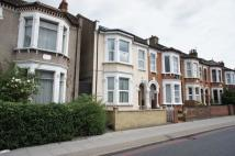 3 bedroom Flat in Tooting Bec Road...
