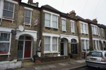 Flat to rent in Renmuir Street, Tooting