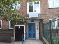 4 bed Flat to rent in Armitage Road, London...