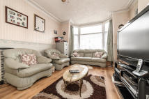 5 bed Terraced home for sale in Park Avenue, Mitcham, CR4
