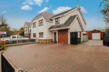 3 bedroom semi detached house for sale in Millgate...