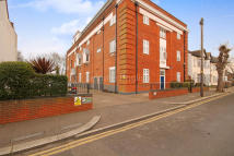 2 bed Apartment for sale in Priory Avenue...