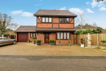 4 bed Detached property in Ross Way, Langdon Hills...