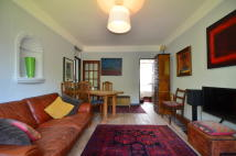3 bed Apartment to rent in Rosebery Avenue, London...