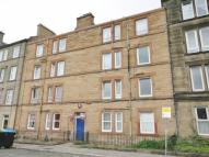 Flat to rent in Westfield Street...