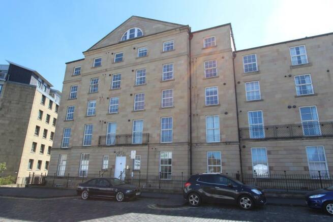 2 Bedroom Flat To Rent In East London Street Edinburgh Eh7