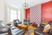 5 bed semi detached property for sale in Spacious FIVE BEDROOM...