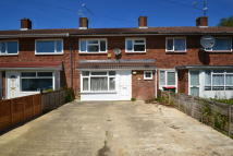4 bed Terraced property to rent in Hogarth Road, Crawley...