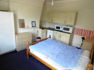 Studio flat to rent in Holyhead Road, Coventry...