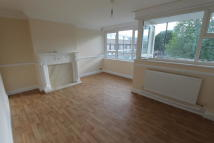 Flat to rent in Southwater Close, London