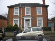 Flat to rent in Argyle Street, Reading...