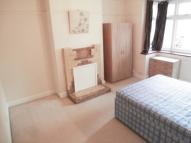 Studio flat in PRINCE OF WALES AVENUE...