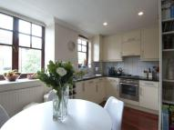 4 bedroom Town House in Battersea Church Road...