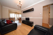 Maisonette for sale in Ley Street, IG2