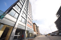 Apartment for sale in Eastern Avenue, Ilford