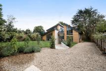 5 bedroom Detached home in Taunton Road, London...