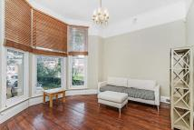 Flat in Shooters Hill Road...