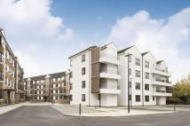 Flat in Kew Bridge Court...