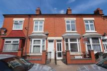 Flat to rent in Stroud Road, Leicester