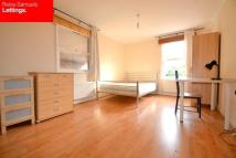 5 bed semi detached property in Lockesfield Place...