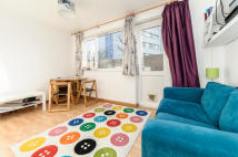 1 bed Bungalow to rent in Cornford Grove, Balham