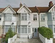 4 bed Terraced house in Park Avenue, Streatham