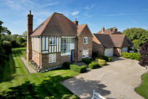 5 bed Detached house for sale in The Leas, Chestfield...