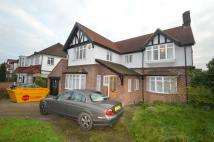 4 bed Detached property in Broomhill Walk...