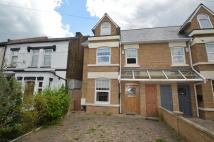 semi detached house to rent in Warren Road, Chingford