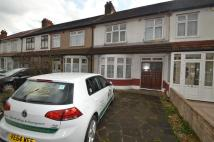 3 bed house in Baron Gardens, Ilford