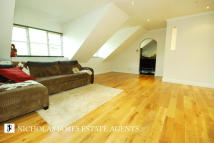 1 bed Apartment in Cricketers Close...