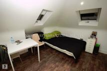 Studio apartment in GREEN LANES...