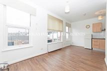2 bed Flat to rent in Ashfield Road...