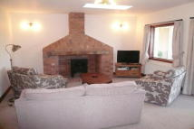Bungalow to rent in Napton