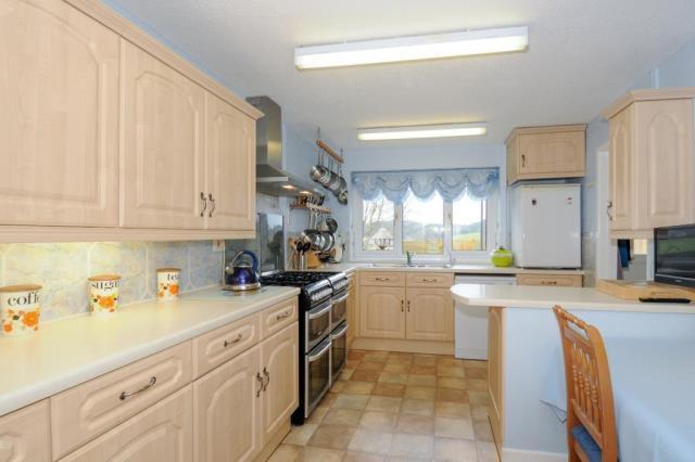 Main Residence Kitchen / Breakfast Room