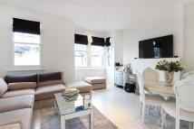 Flat to rent in Auckland Road, Surbiton...