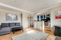 2 bedroom Flat in Queens Gate Terrace...