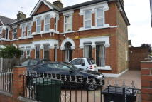 End of Terrace house to rent in GREEN LANE, Ilford, IG3